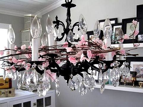 Декорування столу в чорно-рожевій гаммі
