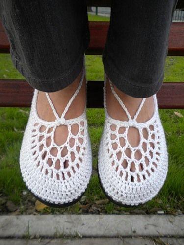 В`язані гачком туфлі